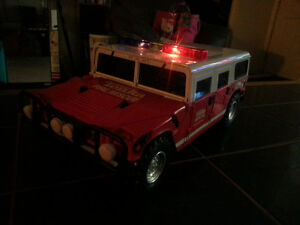 TONKA FIRE RESCUE WITH BRAND NEW BATTERIES INCLUDED ONLY 7$ London Ontario image 6