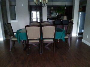 GREAT LOCATION LUXERY 2-BR APARTMENT