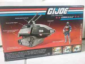 Gi Joe 3/4 inch Vehicle and Figures in packaging