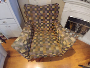 Accent chair in wonderful condition.