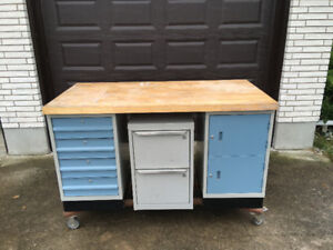 "Excellent ""Moveable Rolling"" Workbench Storage/Tool Box... $450"