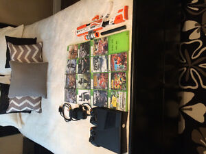 Xbox 360 + 2 controllers + 16 games