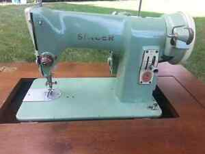 VINTAGE 1950'S ELECTRIC SINGER SEWING MACHINE WITH TABLE - OBO