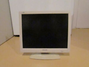 15 Inch computer monitor
