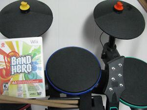 WII Band Hero Guitar Hero drums, guitar and microphone Oakville / Halton Region Toronto (GTA) image 5