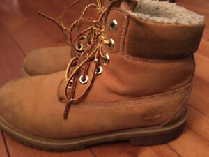 Timberland boys/youth boots size 5