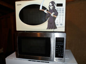 "WANTED: FREE ""DEAD"" MICROWAVES!  FREE PICKUP!"