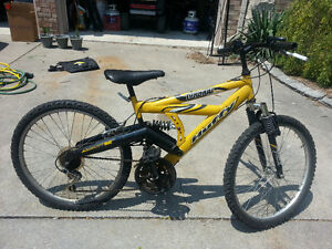 Huffy dual shock mountain bike