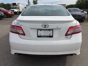 2011 TOYOTA CAMRY SE * POWER GROUP * EXTRA CLEAN London Ontario image 5