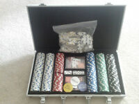 Poker set in metal briefcase for only C$30,-