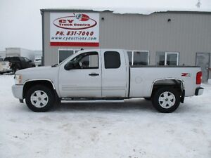 2010 Chevrolet Silverado 1500 Ext 5.3L 6spd 4x4 Low Kms