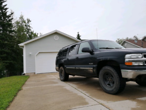 4x4 Chev Suburban! LIC/Inspected! Fully Loaded! 3000$