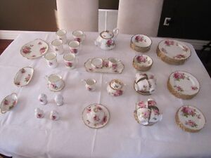 Royal Albert American Beauty Bone China 80 Piece Set