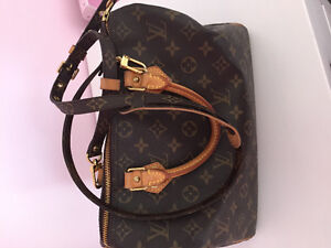 Authentic Louis Vuitton  speedy 30 and strap.