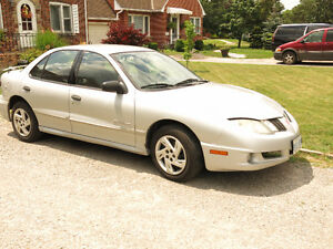 2004 Pontiac Sunfire  for parts or repair, needs alternator