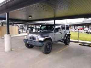 2013 jeep wrangler Sahara Unlimited loaded