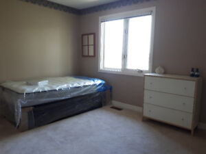 Large Room for rent - Close to College