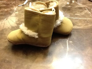 Moccasin boots never worn