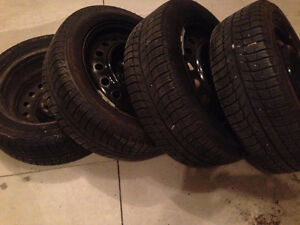 4- MICHELIN WINTER TIRES & STEEL RIMS 99% GOOD