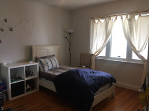 Student House - Room for Rent