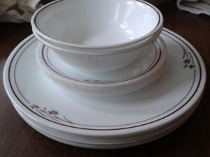 Corelle Dishware. 8 plates, 6 saucers, 2 bowls. All matching.