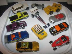 12 HOT WHEEL COLLECTIBLES