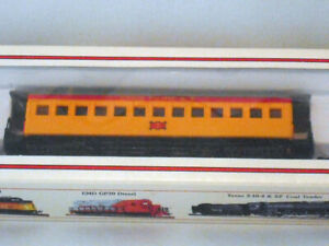 Bachmann Ho scale Union Pacific #7 Old Time coach passenger car