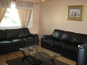 FURNISHED HOUSE-THICKWOOD-JUN1-$1899-UTIL/INTER INCL-7807426039