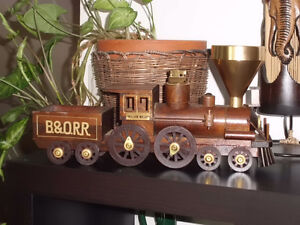 Vintage Wooden Train, lighter & ashtray model, very cool