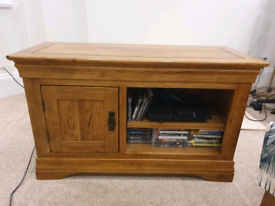 French style Rustic farmhouse tv unit