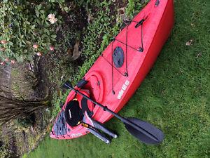 Kayak, paddle & life jacket