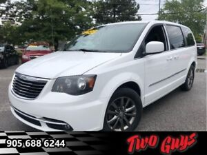 2014 Chrysler Town  Country S  - Leather Seats