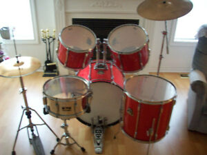 PEARL  EXPORT  DRUM SET  ( COMPLETE )  --  LIKE NEW