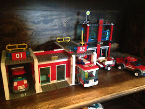 Lego Fire Station set #7208 with Bonus