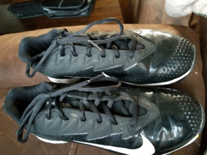 Nike Vapor baseball shoes size 5