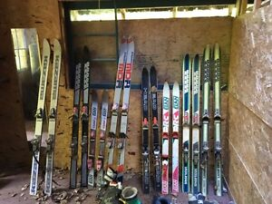 Skis various kinds lot sale.