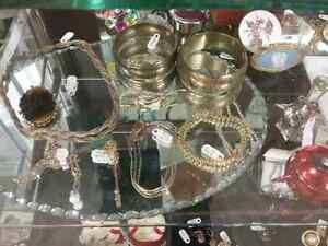 Shop Canada's largest antique mall 600 booths PLUS Jewelry  Stratford Kitchener Area image 5
