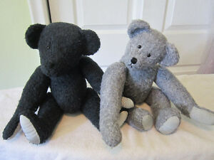 VINTAGE 1997 HANDMADE STUFFED BEARS WITH MOVABLE ARMS.LEGS..HEAD