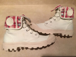Men's Palladium Boots Size 9