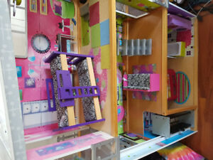 Barbie doll house kid craft doll house