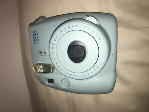 BLUE POLAROID CAMERA (with carrying bag)