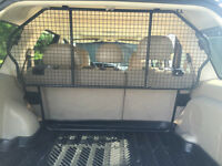 Pet/Dog Barrier & black rubber cargo liner