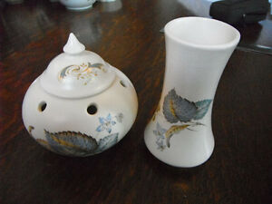 Small Ceramic Vase and Potpourri Pot with Lid Kitchener / Waterloo Kitchener Area image 1