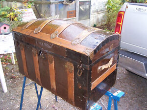 Antique Round Top Trunk 32 by 18 and 21 Inches Tall EXCELLENT CO