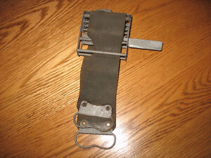 Vintage straight rasor sharpening device