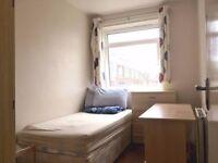 Freshly Renovated Single Room in Ruislip Manor