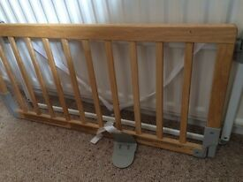 Children's bed guard