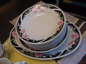 Dishes - China - 8-Piece Setting