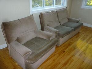 fauteuils,cuisinière,bureau,table bois massif,futon,foyer élect.