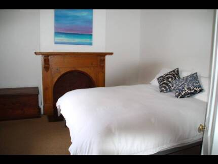 Queen bed Comfortable and Clean South Launceston Launceston Area Preview